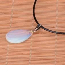 Pakabukas lašelis - opalas